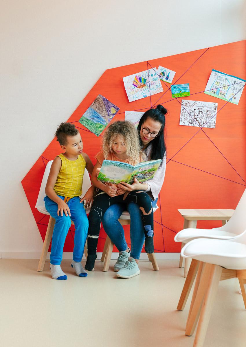 baukind Kinderzahnarztpraxis Kinderlieb Wandgestaltung Wartezimmer