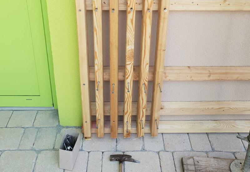 baukind Kita Grashüpfer Holz-Fassade
